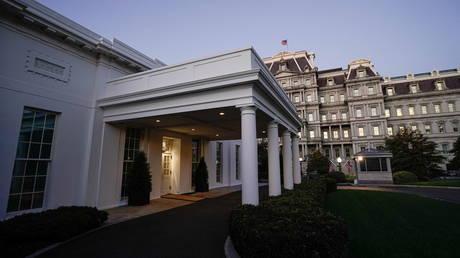 PHOTO DE FICHIER.  L'entrée de l'aile ouest de la Maison Blanche.  © REUTERS / Ken Cedeno