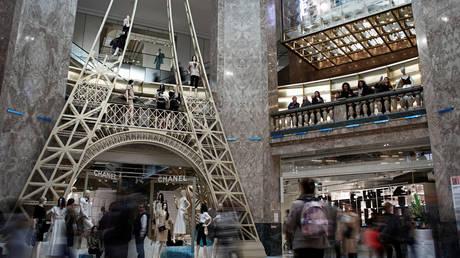 FILE PHOTO: The Galeries Lafayette department store on the Champs-Elysees avenue in Paris, France © Reuters / Benoit Tessier