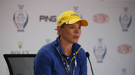 Swedish golf icon Sorenstam was criticized for picking up the award from Trump. © Reuters