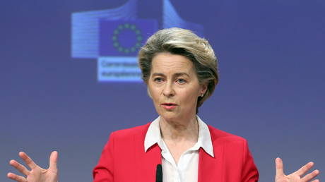 European Commission President Ursula Von Der Leyen holds a news conference on vaccine strategy in Brussels, Belgium, January 8, 2021 © Francois Walschaerts/Pool via REUTERS