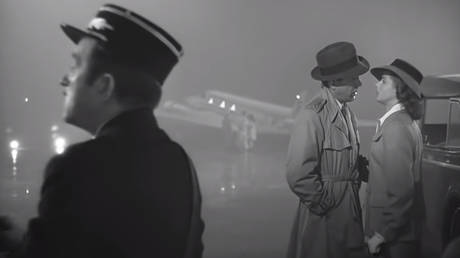 Casablanca (1942) Dir: Michael Curtiz