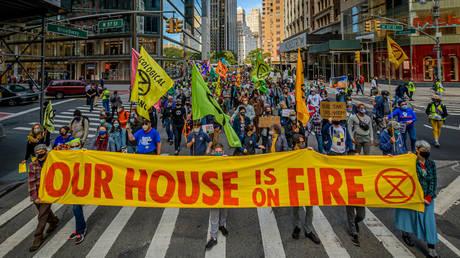 Climate activists march in New York, September 2020. © Getty Images / LightRocket / Erik McGregor