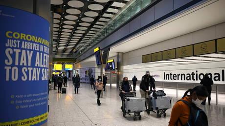 Heathrow Airport, amid the spread of the coronavirus disease (Covid-19) pandemic, London, Britain, (FILE PHOTO) © REUTERS/Henry Nicholls