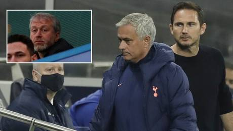 Mourinho reacted after Lampard was sacked by Abramovich. © Reuters