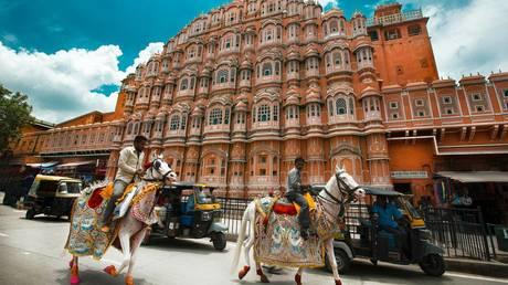 Hawa Mahal Road, Jaipur, India © Unsplash.com / Aditya Siva