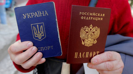 Ukraine may legalize dual citizenship – but those with Russian passports should be banned from voting, draft law says