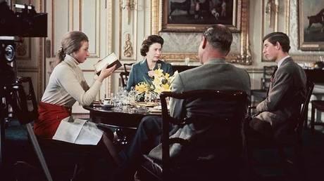 'Royal Family' (1969) Dir: Richard Cawston