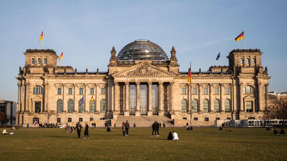 'Ministry of Social Cohesion'? German MPs want to CHANGE CONSTITUTION to grant special protections to minorities