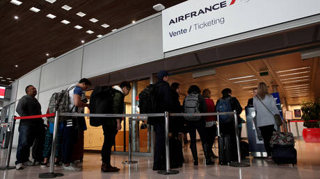 Criminal gangs selling fake negative Covid-19 tests needed by most air travelers, Europol warns