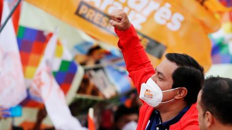 FILE PHOTO. Ecuadorean presidential candidate Andres Arauz during a campaign rally. ©REUTERS / Johanna Alarcon