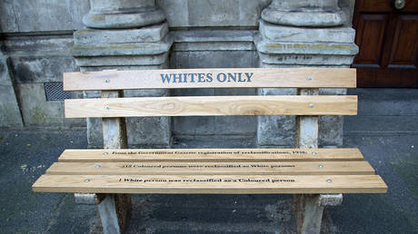 An apartheid memorial in Cape Town, South Africa © Wikipedia