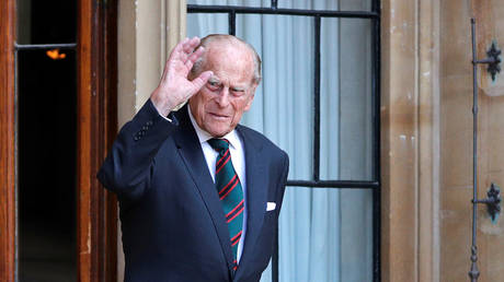 FILE PHOTO: Prince Philip arrives for the transfer of the Colonel-in-Chief of the Rifles at Windsor Castle, Britain, July 22, 2020 © Reuters / Adrian Dennis