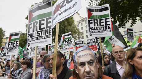 FILE PHOTO: Protesters demonstrate for Palestinian rights outside Downing Street in London, Britain. © Reuters / Toby Melville