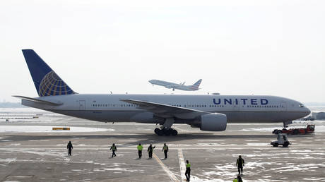 FILE PHOTO: A United Airlines Boeing 777-200ER plane