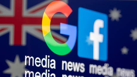 "Google and Facebook logos, words ""media, news, media"" and Australian flag are displayed in this illustration taken, February 18, 2021.  © REUTERS/Dado Ruvic/Illustration"