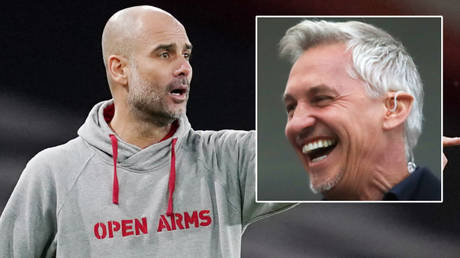 Manchester City football manager Pep Guardiola wore a hoodie in support of Open Arms © John Walton / Reuters | © Owen Humphreys / Reuters