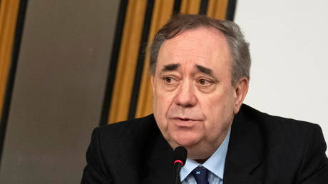Alex Salmond makes his opening statement to The Committee on the Scottish Government Handling of Harassment Complaints at Holyrood, in Edinburgh, Scotland, February 26, 2021 © Reuters / Andy Buchanan