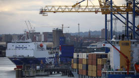 EU to withdraw staff from Northern Irish ports amid security fears and threats against border workers