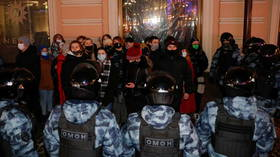 Following Navalny sentencing, supporters gather to protest in Moscow but are met with heavy-handed riot police response (VIDEOS)