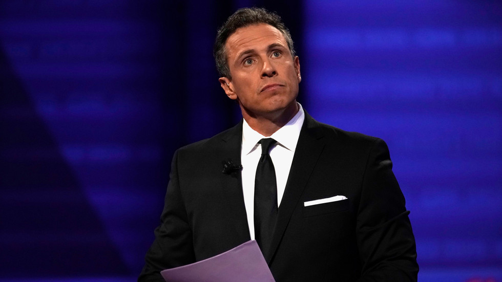 'This is why Americans don't trust media': CNN's Cuomo ripped for claiming he 'obviously' can't cover brother's scandals
