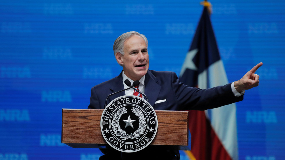 Texas gov lifts mask mandate & OKs businesses to operate at 100% capacity
