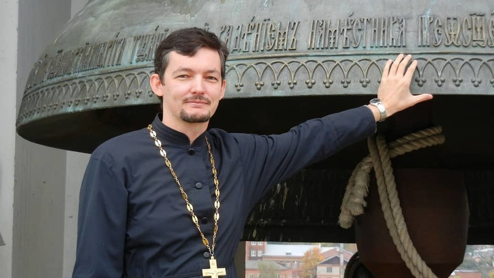 Homosexual Russian priest who fled to Holland after popping out accuses church of bullying & claims clergy sleep collectively to spice up profession