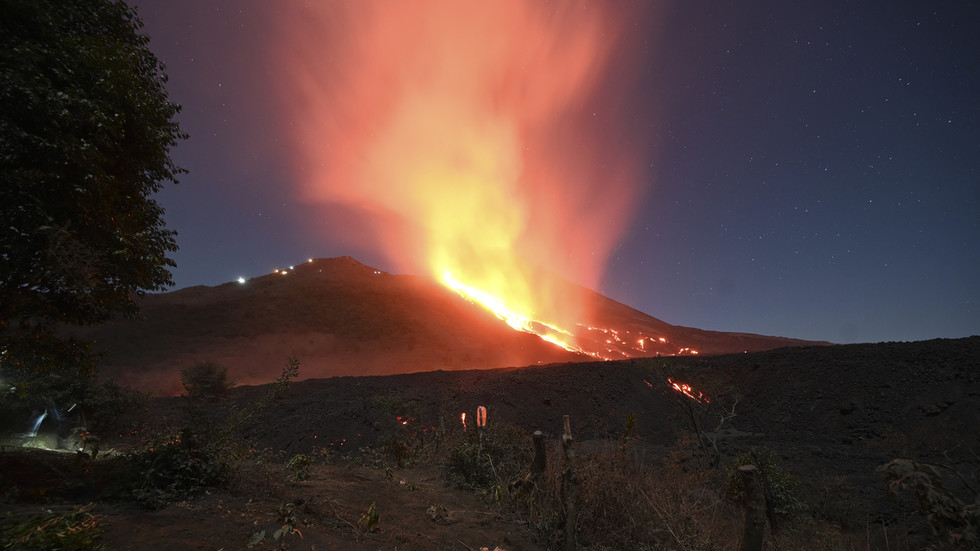 WATCH red-hot lava flow in Guatemala as Pacaya volcano continues to erupt after 50 days