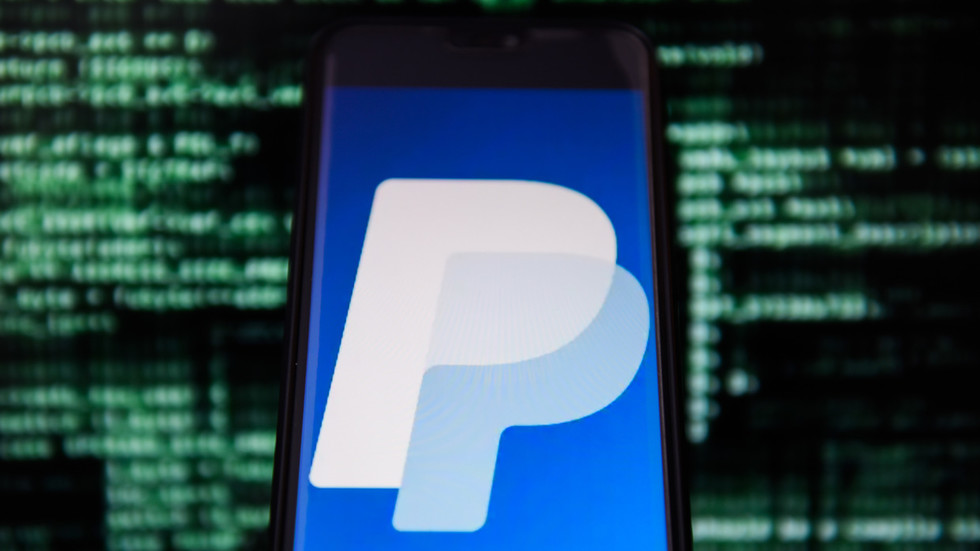 Cryptos stride further into mainstream as new PayPal feature lets users pay with bitcoin, ethereum & more