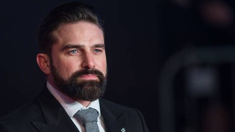 Cancelled veteran and TV star Ant Middleton shoots back at 'woke patrol' in interview with Piers Morgan thumbnail