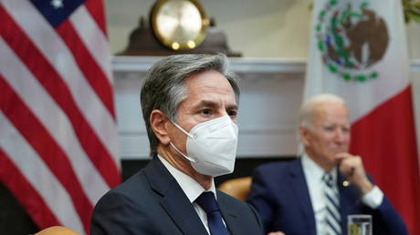 Secretary of State Antony Blinken (front, masked) outlined the foreign policy priorities of US President Joe Biden (March 1, 2021 photo).