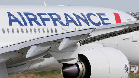 FILE PHOTO: The first Air France airliner's Airbus A350 prepares to take off after a ceremony at the aircraft builder's headquarters in Colomiers near Toulouse, France, September 27, 2019.