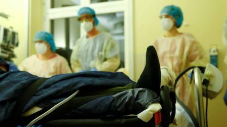 An ICU unit at a Berlin hospital, Germany (FILE PHOTO) © Reuters / Fabrizio Bensch
