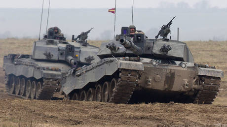 FILE PHOTO. SALISBURY, ENGLAND - MARCH 19: Army vehicles take part in Exercise Tractable on March 19, 2015 in Salisbury, England.  © Getty Images / Matt Cardy