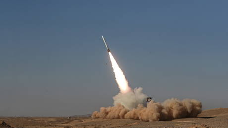 A missile is launched during a military drill, with the participation of Iran's Air Defense units, Iran (FILE PHOTO) © WANA (West Asia News Agency) via REUTERS