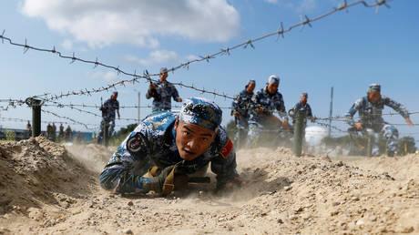 (FILE PHOTO) © REUTERS/Vitaly Nevar