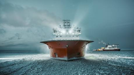 """Icebreaker """"Alexander Sannikov"""" in the waters of the Gulf of Ob © Gazprom Neft"""