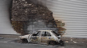 French city deploys more police after riots over fatal car crash saw store looted, cars torched & truck rammed into cops