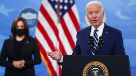 Biden calls for states to halt reopenings as Covid-19 cases tick upward nationally, even as some mandate-free states see declines