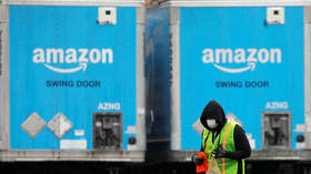 Pro-Amazon bots fill Twitter with anti-union rhetoric as company faces first unionized facility in Big Tech history