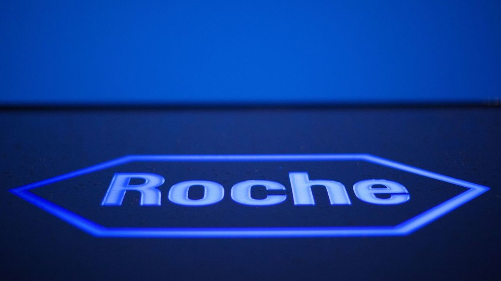 Swiss drugmaker Roche searching for new site to trial Covid-19 pill as virus prevalence in UK falls