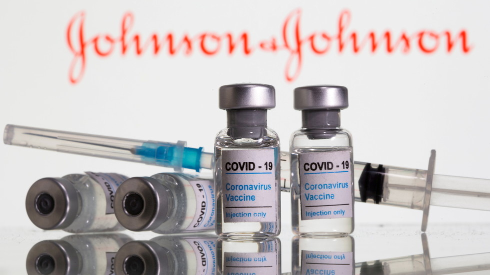 CDC blames 'Covid anxiety' for adverse reactions, 164 times more people fainting after getting J&J vaccine compared to flu shot — RT USA News thumbnail