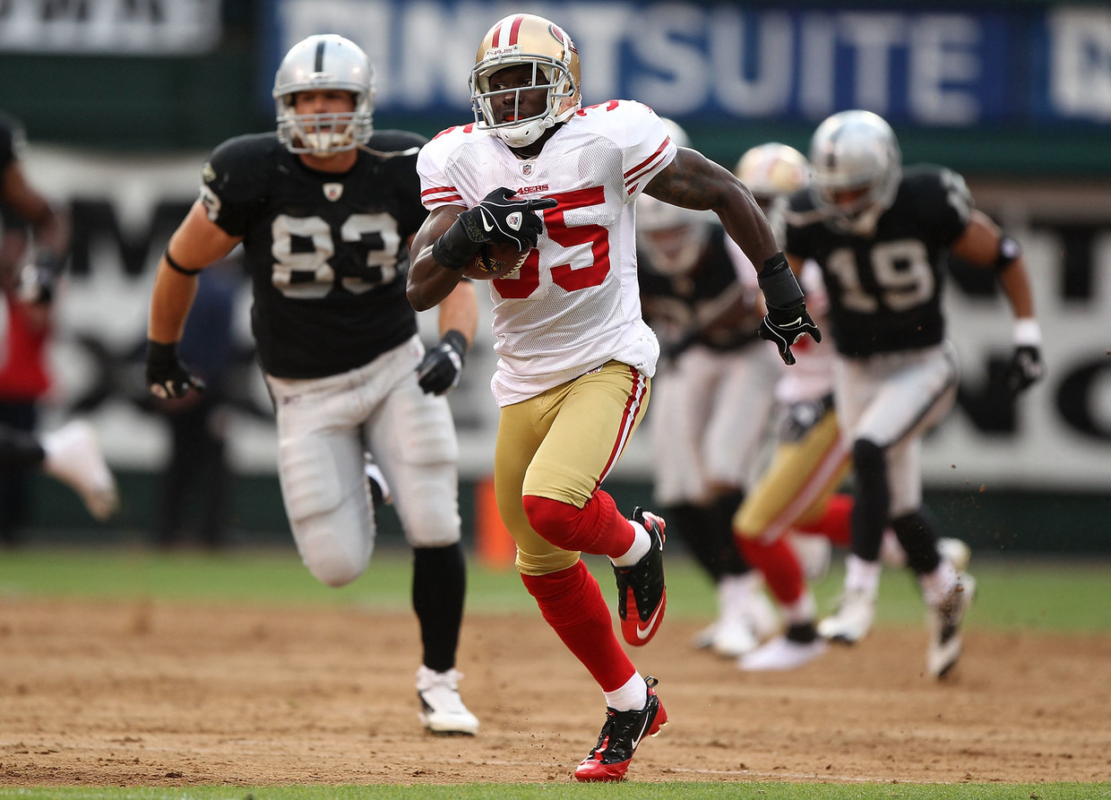 Adams playing for the 49ers in 2010. © Getty Images via AFP