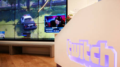 A wall of video monitors with real-time video game play is seen at the offices of Twitch Interactive Inc in San Francisco, California, U.S., March 6, 2017. © REUTERS/Elijah Nouvelage