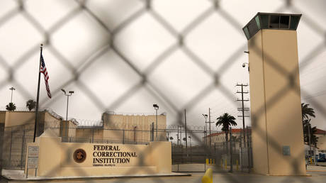 FILE PHOTO. Exterior view of the Federal Correctional Institution Terminal Island in San Pedro. © Getty Images / Christina House
