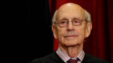 FILE PHOTO: U.S. Supreme Court Justice Stephen Brey © REUTERS/Jonathan Ernst