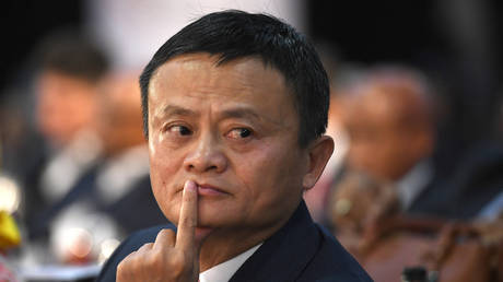 FILE PHOTO. Co-founder of China's Alibaba Jack Ma gestures as he attends an international investment conference in Johannesburg on October 26, 2018. © AFP / STRINGER
