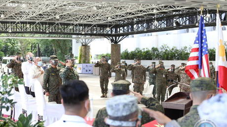 The Armed Forces of the Philippines (AFP) and United States Military attend the opening of the 36th Balikatan Exercise (BK36-21) at Camp Aguinaldo, Quezon City, Metro Manila, Philippines, April 12, 2021 © Armed Forces of the Philippines (AFP)/Handout via REUTERS