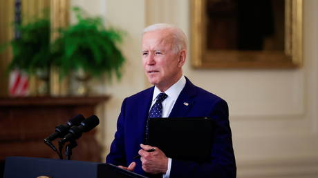 U.S. President Joe Biden delivers remarks on Russia in the East Room at the White House in Washington, U.S., April 15, 2021© REUTERS/Tom Brenner