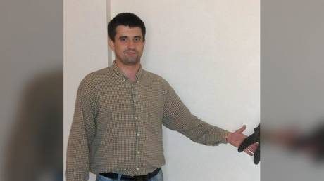 Russia's FSB security agency detains Ukrainian consul in St Petersburg, claims he was trying to collect 'secret data' from local