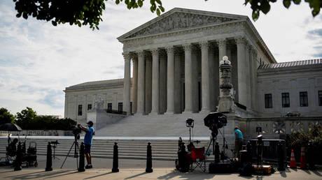 FILE PHOTO: Supreme Court building in Washington, U.S © Reuters / Al Drago